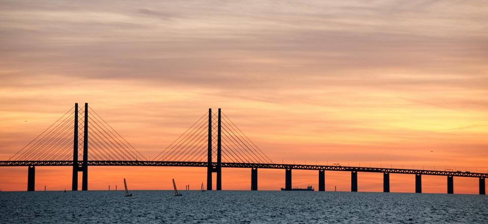 bridge øresund connecting